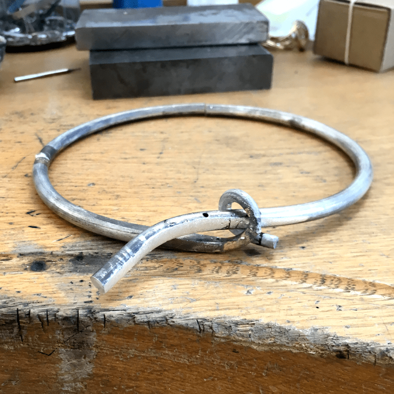 Collier torque serpent